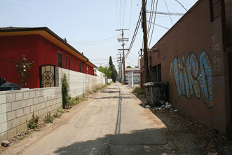 article_images/12_6_OR_Where_Gentrification_Meets___Hood__271070131.jpg