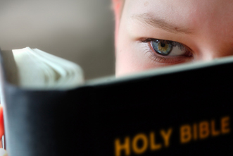 article_images/child_bible_119571443.jpg