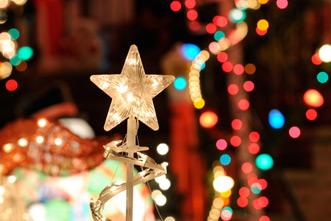 article_images/christmas_display_895979459.jpg